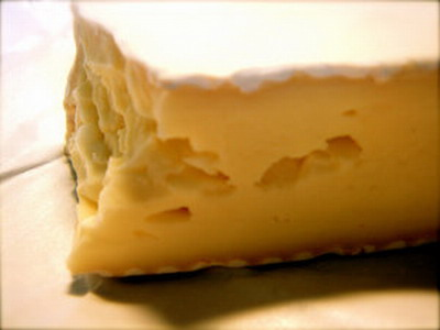 Brie_Cheese_by_chrisdb89.jpg